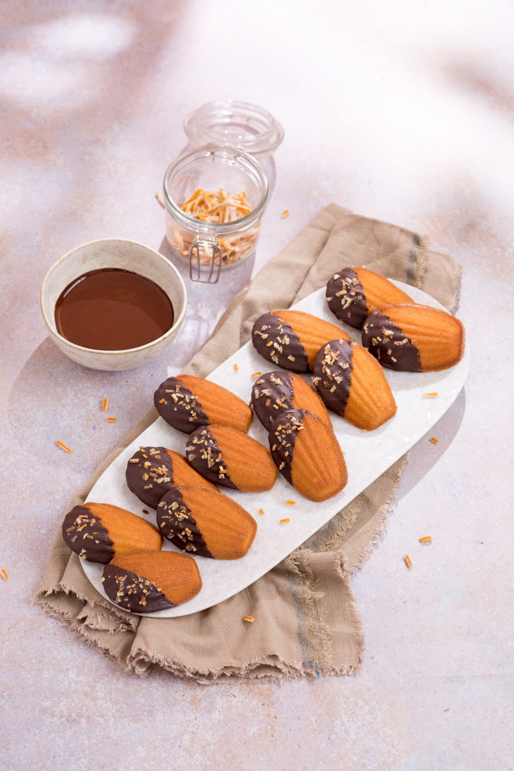 Madeleines met chocolade en sinaasappel